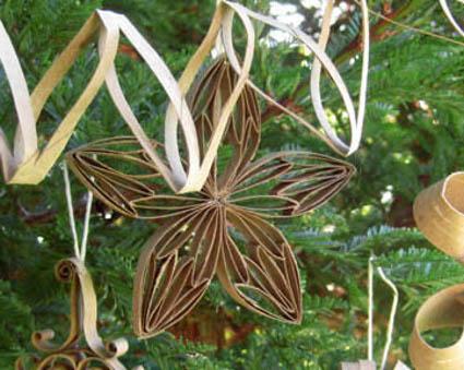 Decoraciones navide as con cart n reciclado flores for Decoracion navidena con papel