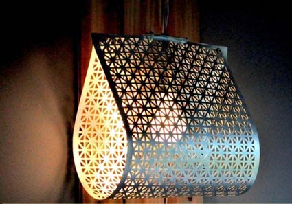 Una l mpara casera muy original manualidades - Como hacer una lampara de mesa casera ...