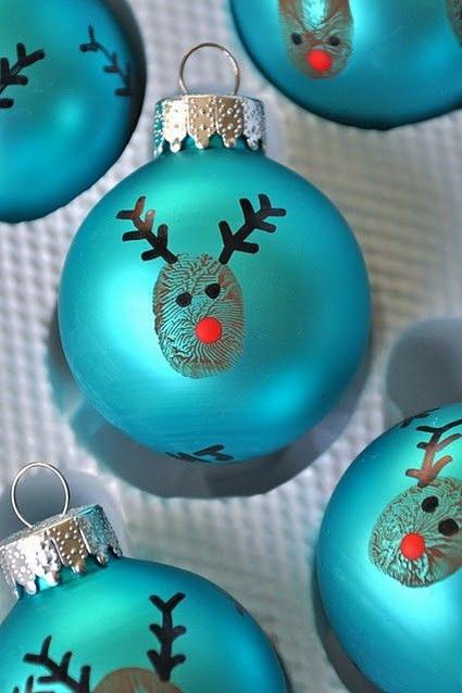 Renos en esferas navideñas