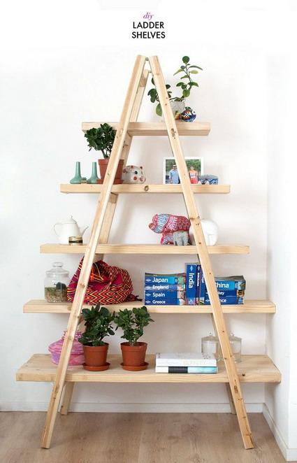 utilizando este tipo de escaleras que se encuentran unidas en la parte superior podrs crear mueble organizador de objetos de la casa tambin puede