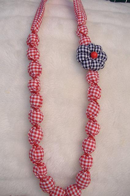 7a967d193cf8 Collar de tela - ManualidadesManualidades